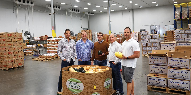 Group shot of the Veg-Fresh Farms team