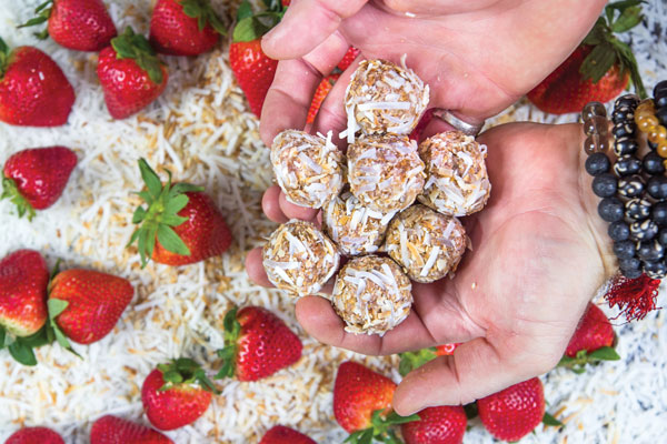 Ryan is partnering with California Strawberries, creating five unique strawberry snacks that will be shared on social media